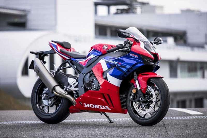 ชมภาพ และเสียงคำราม Honda CBR1000RR-R 2020 สเปค British Superbike | MOTOWISH 2