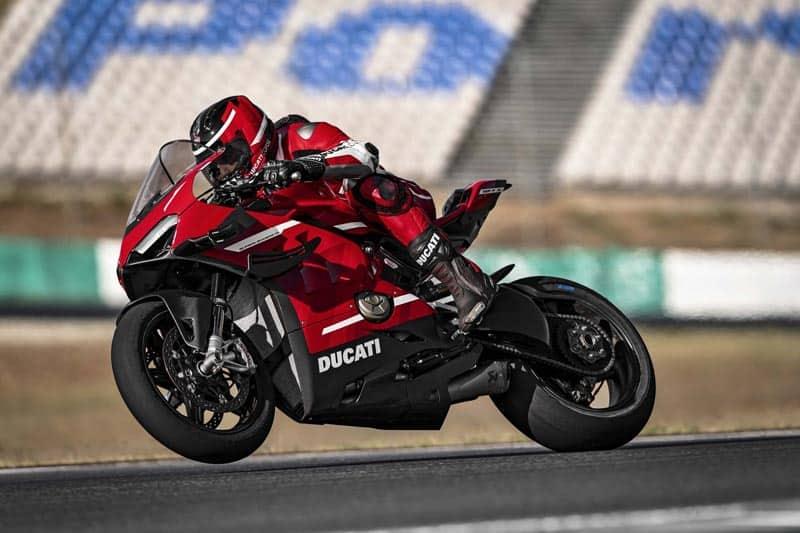 เปิดตัว Ducati Panigale V4 Superleggera สุดยอดซูเปอร์ไบค์ แรงม้า 234 ตัว | MOTOWISH 1