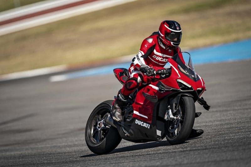 เปิดตัว Ducati Panigale V4 Superleggera สุดยอดซูเปอร์ไบค์ แรงม้า 234 ตัว | MOTOWISH 2