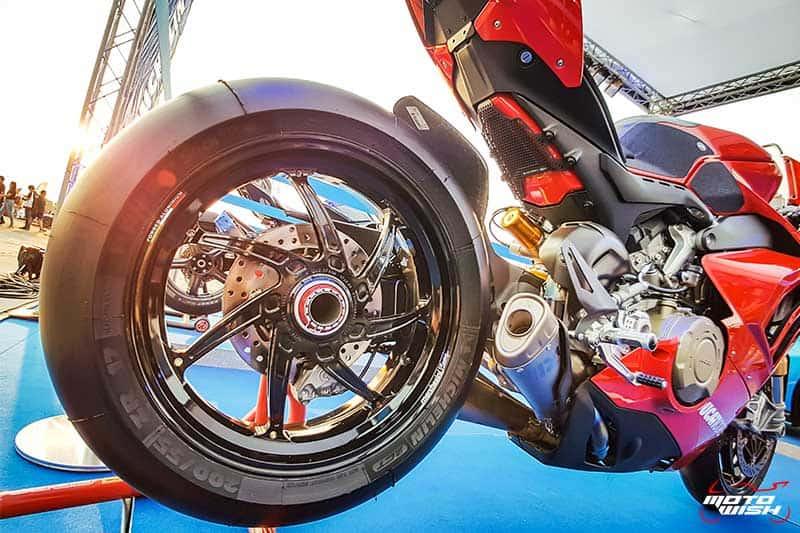 มิชลิน พาวเวอร์ สลิค อีโว ยางสำหรับการขี่แบบแทร็กเดย์โดยเฉพาะ เทคโนโลยีจากรถแข่ง MotoGP | MOTOWISH 7