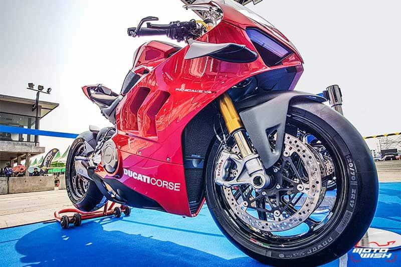 มิชลิน พาวเวอร์ สลิค อีโว ยางสำหรับการขี่แบบแทร็กเดย์โดยเฉพาะ เทคโนโลยีจากรถแข่ง MotoGP | MOTOWISH 9