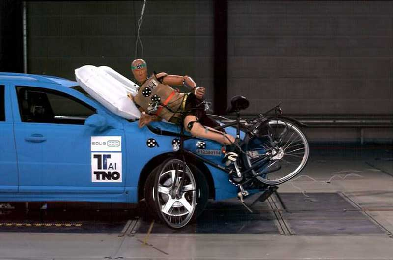 honda-patent-external-airbag-1