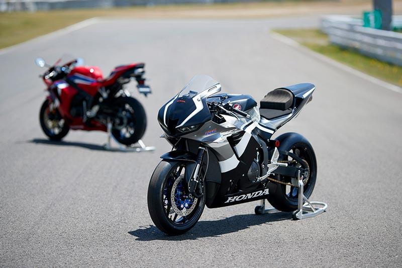 2021-Honda-CBR600RR-10