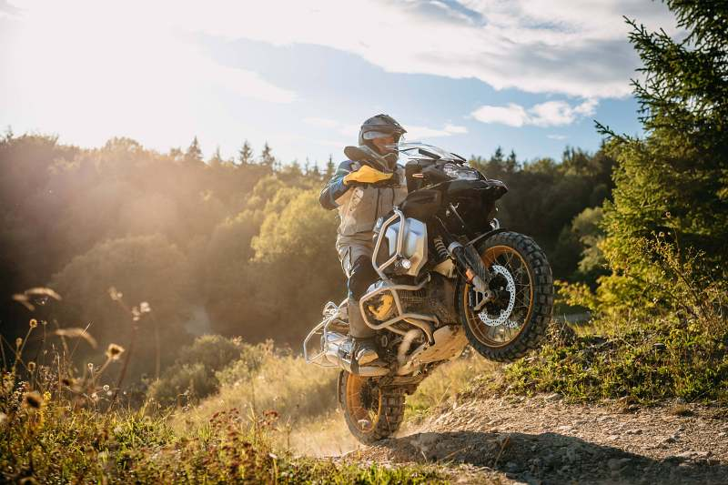 2021-bmw-r1250gs-adventute-1