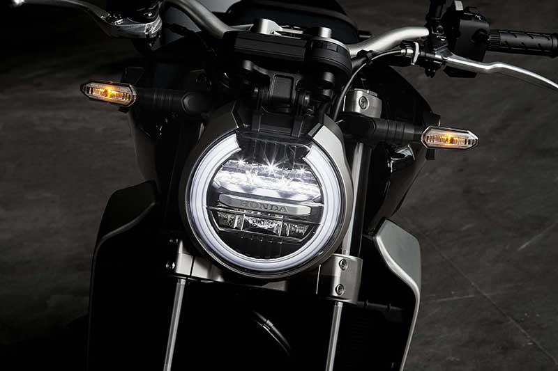 เปิดตัว All New Honda CB1000R 2018 เมื่อสุดยอดงานศิลป์ รวมกับจิตวิญญาณของ Cafe Racer | MOTOWISH 122