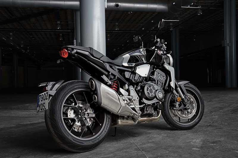 เปิดตัว All New Honda CB1000R 2018 เมื่อสุดยอดงานศิลป์ รวมกับจิตวิญญาณของ Cafe Racer | MOTOWISH 128