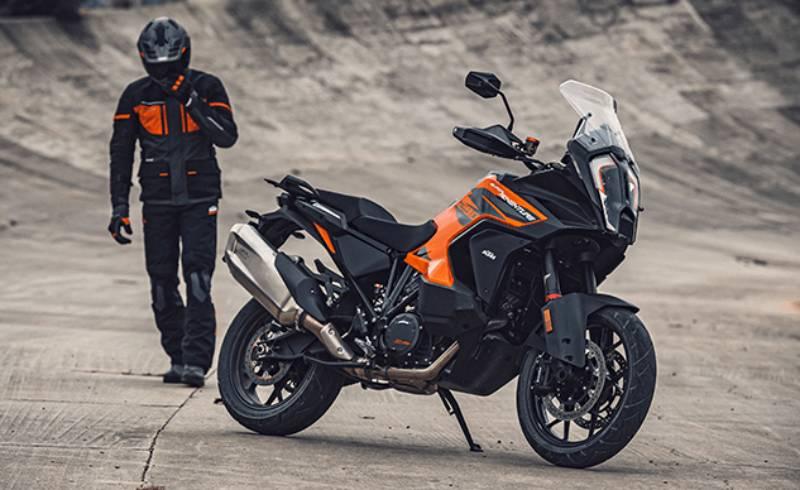 _2021-KTM-1290-Super-Adventure-S-1