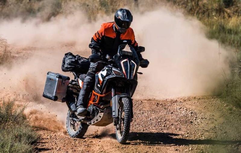 KTM-1290-Super-Adventure-1