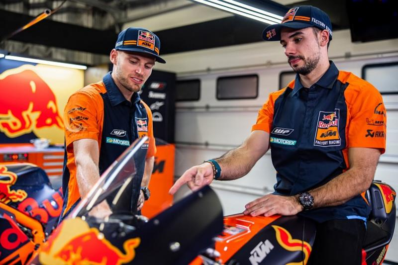 Miguel Oliveira first touch ktm rc16 factory bike-2