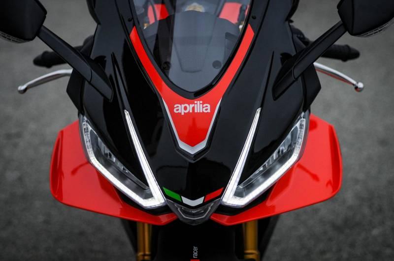 2021-Aprilia-RSV4-Factory-2