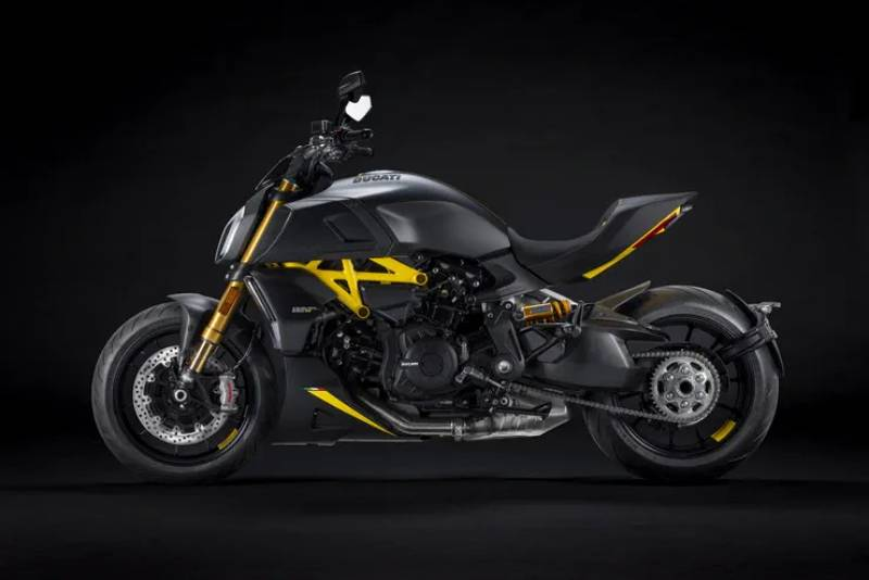 2022 Ducati Diavel Black Steel-2