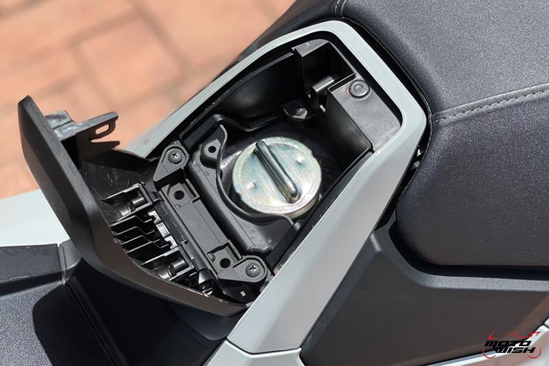 Review-Honda-New-XADV750-2021 Fuel Cap